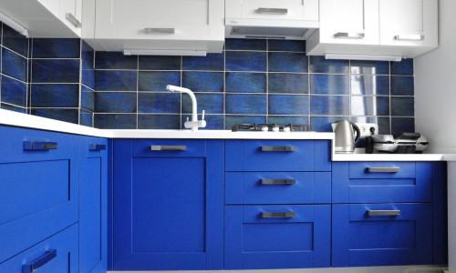 """""""Сакура-микс"""", массив дуба, кухня с комбинированными фасадами"""